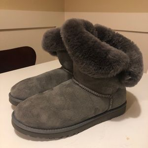 UGG Bailey Buckle, gray suede ankle women's boots
